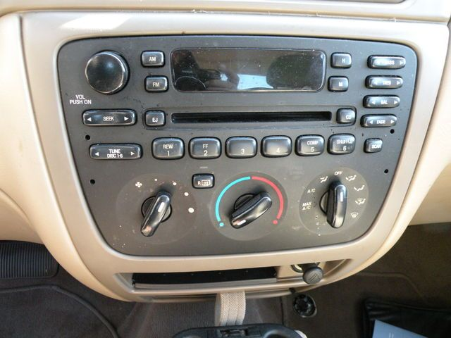Radio 2005 Ford Taurus AM FM CD (single disc & changer button), (man